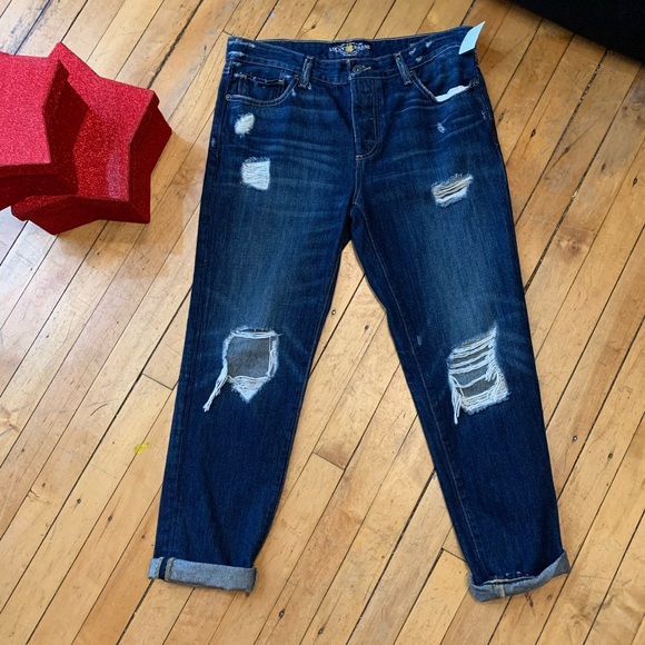 Lucky Brand Denim - Lucky Brand Jeans Size 4/27. Distressed blues.